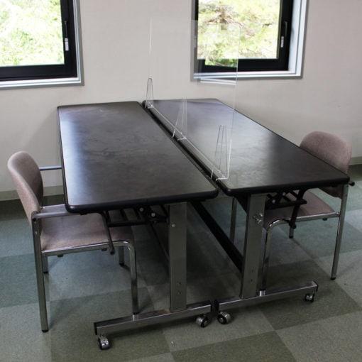端材工房 卓上仕切り 横・縦置き・吊り兼用 152x60cm 透明 クランプ式